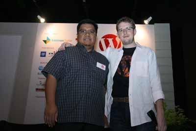 Oh Ternyata si Matt Mullenwerg, Pertemuan Bersejarah ... Founder IlmuKomputer.Com dengan Founder WordPress hihihi